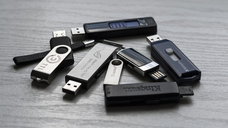Why You Should Use Branded USB Sticks to Promote Your Business